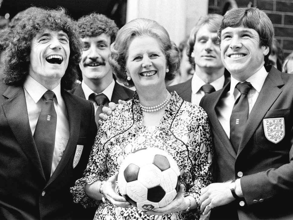 Margaret Thatcher con la nazionale inglese, 1980